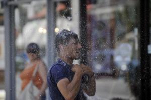 Καιρός – Καύσωνας: Τα 45αρια έγιναν καθημερινότητα – Θερμοκρασίες ρεκόρ