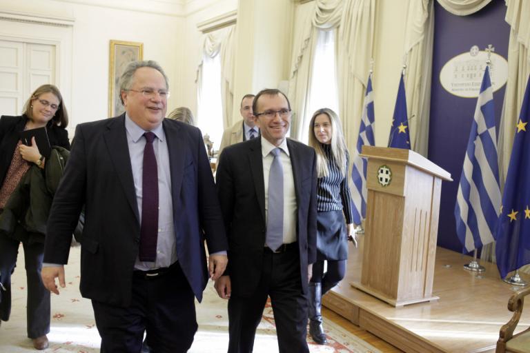 Κυπριακό: Συνεχίζεται το θρίλερ στην Ελβετία χωρίς τους πρωθυπουργούς