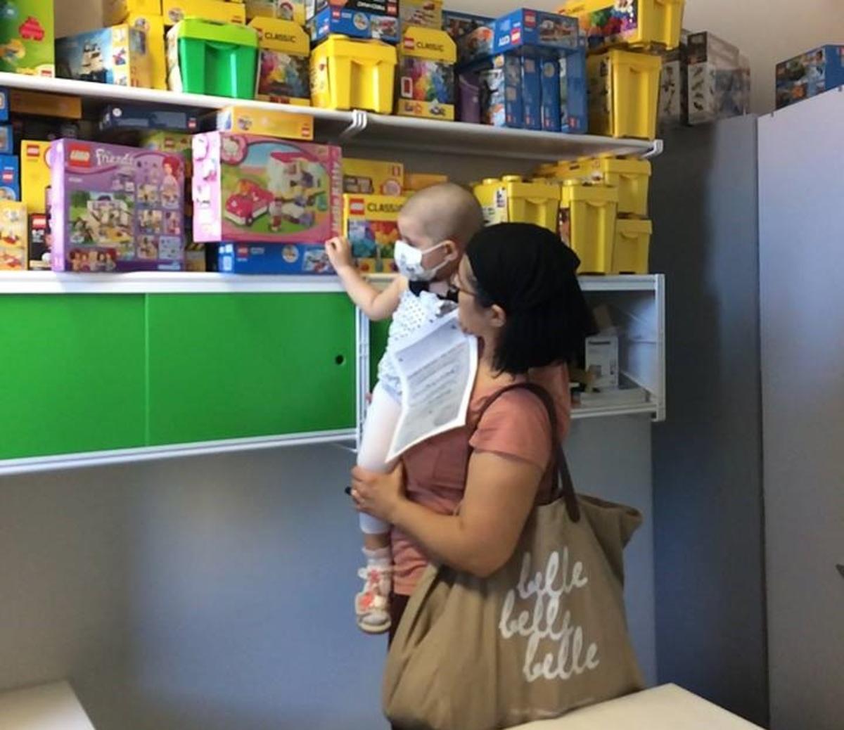 Συγκινητική κινητοποίηση στο ίντερνετ για παιδιατρική κλινική που είχε έλλειψη από Lego! | Newsit.gr