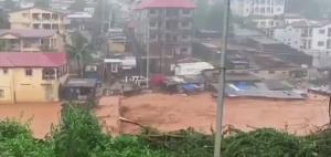 Φονικές πλημμύρες και κατολισθήσεις: Τουλάχιστον 320 νεκροί [vid]