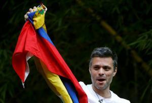 Βενεζουέλα: Ξανά σε κατ'οίκον περιορισμό ο Λεοπόλδο Λόπες!