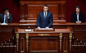 «Πάτωσε» ο Μακρόν στην ομιλία του στις Βερσαλλίες