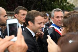 Γαλλία: Ο Μακρόν θέλει να δημιουργήσει «στρατόπεδα» μεταναστών στη Λιβύη