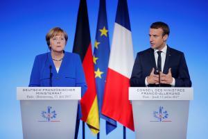 Συνάντηση Μακρόν – Μέρκελ για τον «προοδευτικό άξονα» της Ε.Ε