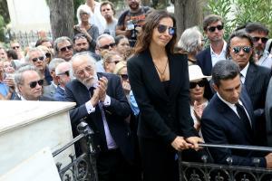 Μαρία Ελένη Λυκουρέζου: Στάθηκε «βράχος» για τον πατέρα της αλλά δεν άντεξε στο τέλος [pics]