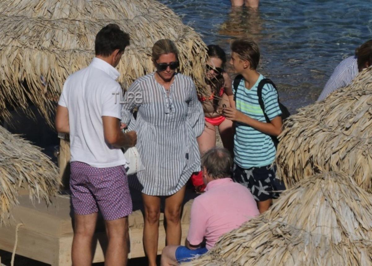 Marie Chantal – Παύλος: Νέες φωτογραφίες από τις διακοπές τους στη Μύκονο | Newsit.gr