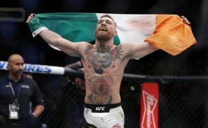 """Συνελήφθη ο McGregor! """"Τρέλο ντου"""" σε βαν με σίδερα και καρέκλες – Τραυματίστηκαν αθλητές [vids]"""