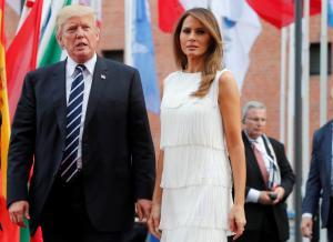 Αμβούργο: «Απεγκλωβίστηκε» η Μελάνια Τραμπ! Ξανά στο πλευρό του Ντόναλντ [pics]