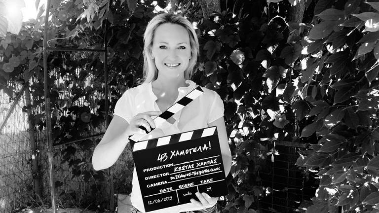 Ξεφτίλα! Έβρισαν ηθοποιό γιατί ανέβασε φωτογραφία της την ώρα που θήλαζε! | Newsit.gr