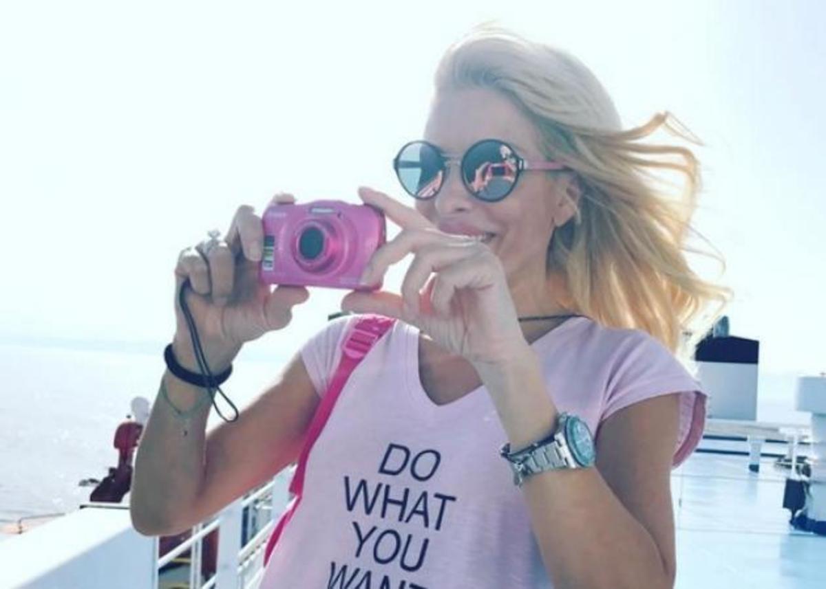 Ελένη Μενεγάκη: Όλες οι φωτογραφίες από τις καλοκαιρινές της διακοπές | Newsit.gr