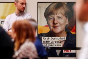 Γερμανία: Μικρή υποχώρηση της δημοφιλίας της Μέρκελ