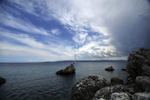 Καιρός: Βροχερό Σαββατοκύριακο μετά τον καύσωνα! Πού θα «χτυπήσουν» οι καταιγίδες