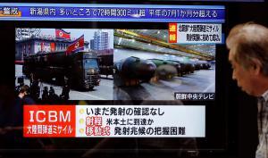 Βόρεια Κορέα: Μπορούμε να χτυπήσουμε παντού! Διηπειρωτικός ο πύραυλος που δοκιμάστηκε [pics, vids]