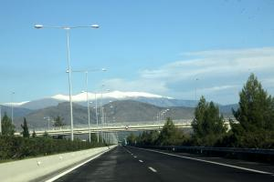 Καιρός: Χιονοθύελλα στον Όλυμπο! Αγωνία για τον ορειβάτη!