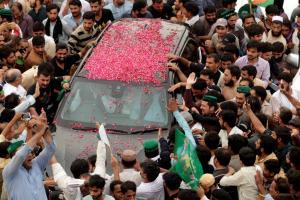 Πακιστάν: Άρωμα γυναίκας στην διεκδίκηση της πρωθυπουργίας!