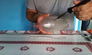 Φτιάξτε μόνοι σας σκούπα από πλαστικά μπουκάλια!