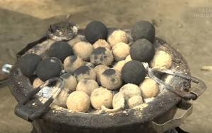 Ανθρώπινες κενώσεις γίνονται κάρβουνα για ψήσιμο φαγητού!
