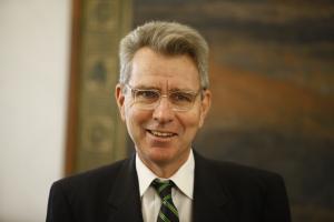 Αμερικανός πρέσβης: Ελάτε να επενδύσετε στην Ελλάδα