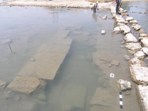 Αρχαίο κτίριο που ίσως αναφέρει ο Παυσανίας αποκαλύπτεται στη Σαλαμίνα [pic]