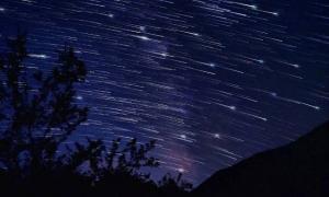 Γεμίζει «πεφταστέρια» ο ουρανός το Σάββατο – Έρχονται οι εντυπωσιακές «Περσείδες»