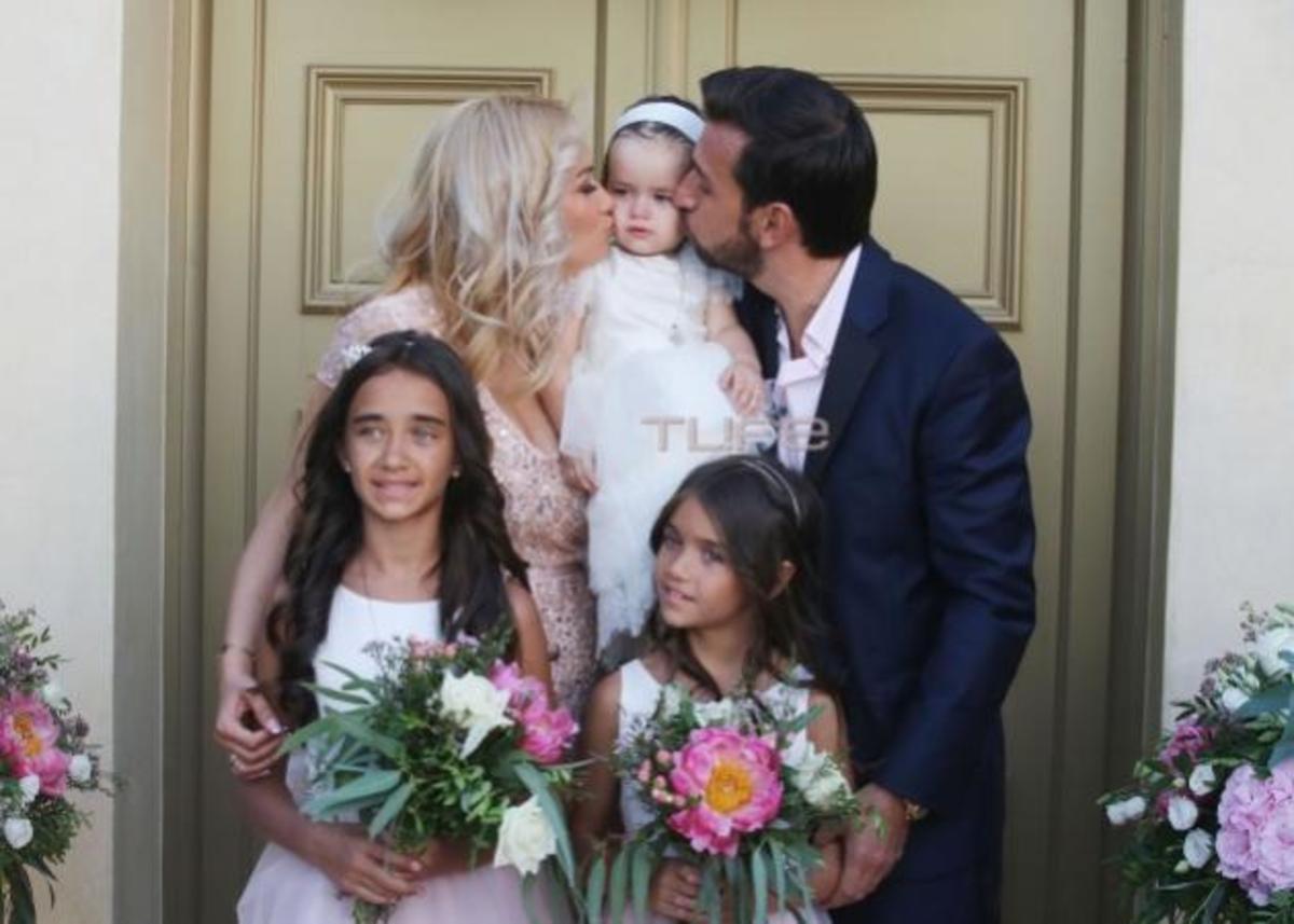 Θάνος Πετρέλης  Νέες φωτογραφίες από την βάπτιση της κόρης του ... d9189bf7b65