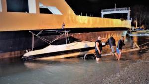Καιρός – Ρίο: Κόπηκαν οι κάβοι, ferry boat παρέσυρε 15 σκάφη! [pics, vids]