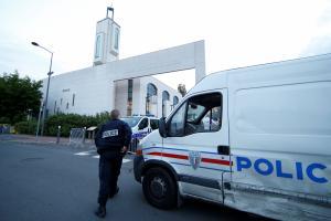 «Έγδυσαν» 20 τουρίστες έξω από το ξενοδοχείο τους!