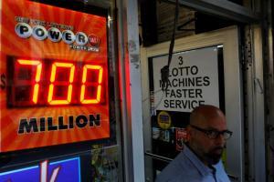 Powerball: Ένας τυχερός! Θα πάρει 758,7 εκατ.