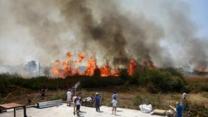 Υπό έλεγχο η φωτιά στην Πρέβεζα – Ξέσπασε «από αμέλεια πολίτη»