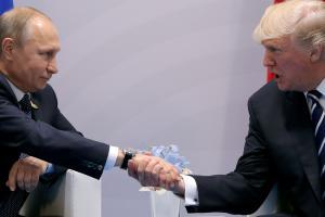 Στον «αέρα» η συνάντηση Πούτιν – Τραμπ