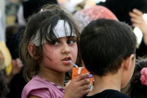 Πρόσφυγες: «Οι Έλληνες είναι φιλικοί και μας φέρονται καλά»