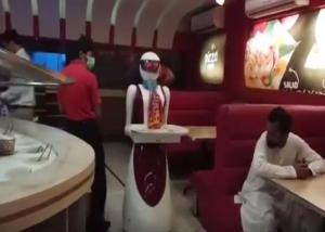 Σε αυτό το εστιατόριο οι σερβιτόροι είναι… ρομπότ! [pics]