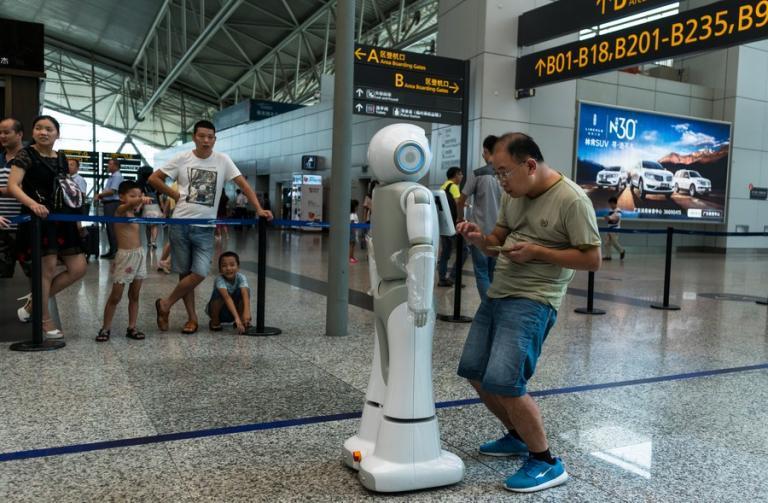 BBC: Κίνδυνος για την ανθρωπότητα τα ρομπότ – δολοφόνοι! | Newsit.gr