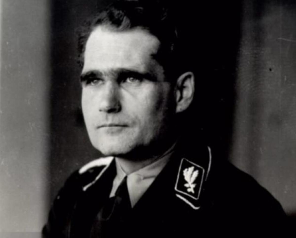 Αυτός ήταν ο «αναπληρωτής Φύρερ» του Χίτλερ που οι νεοναζί προσκυνούν ως είδωλο [pics] | Newsit.gr