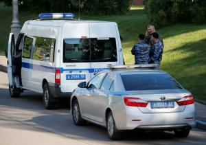 Ρωσία: Επίθεση με μαχαίρια σε αστυνομικούς – Τουλάχιστον 3 νεκροί