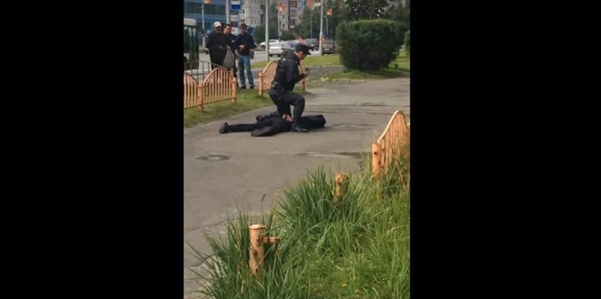 Τρόμος στη Ρωσία: Μαχαίρωνε όποιον έβρισκε μπροστά του – 8 τραυματίες [vid] | Newsit.gr