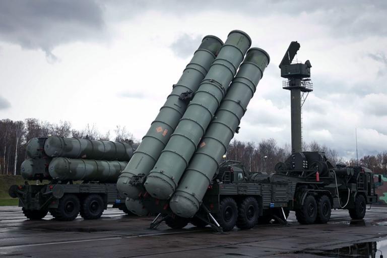 Δεν… κρατά κακίες η Μόσχα για την κατάρριψη του ρωσικούς αεροσκάφους – Ενισχύει την Συρία με νέους S-300 | Newsit.gr