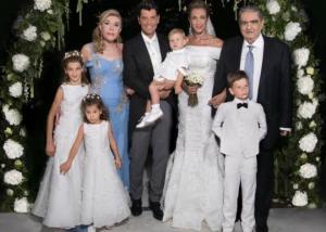 Σάκης Ρουβάς – Κάτια Ζυγούλη  Οι πρώτες φωτογραφίες και οι λεπτομέρειες από  τον παραδοσιακό γάμο be01bd83552