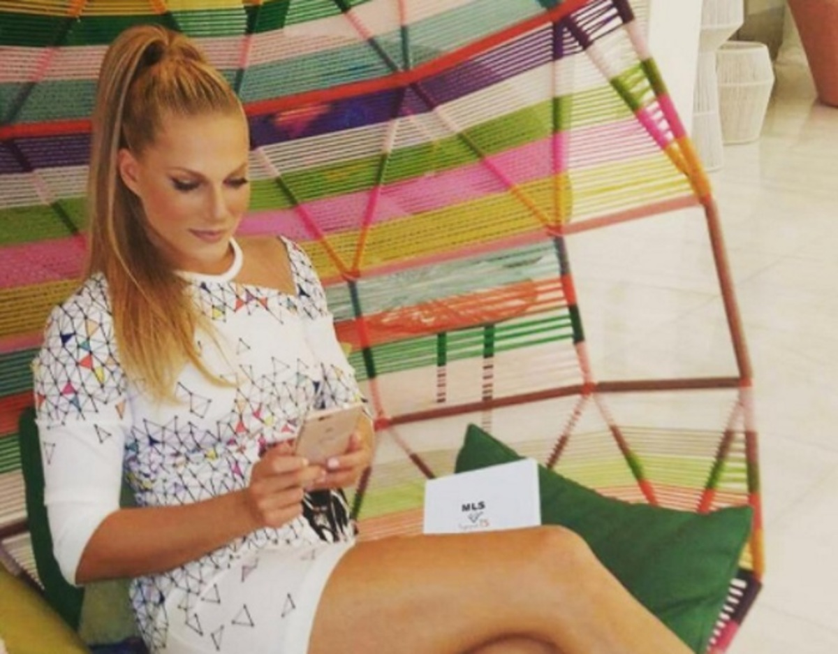 Σαρώνει στο Instagram το βίντεο με την σέξι Σάρα Εσκενάζυ! | Newsit.gr