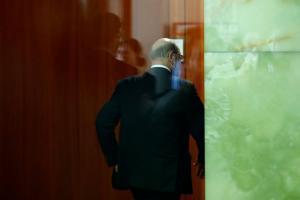 Γερμανικές εκλογές: Δημοσκόπηση «κόλαφος» για τον Σουλτς! Προευλαύνει η Μέρκελ!