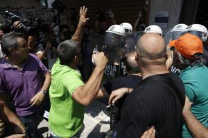 Σφάχτηκαν Σκουρλέτης – ΠΟΕ – ΟΤΑ – «Είναι ανίκανος! Μας είπε μαϊντανούς»
