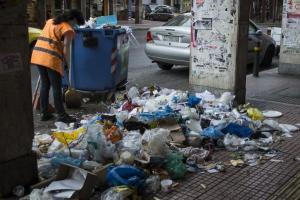 Θρήνος στη Θεσσαλονίκη: Ξεψύχησε ο εργαζόμενος στην καθαριότητα που είχε τραυματιστεί ενώ δούλευε