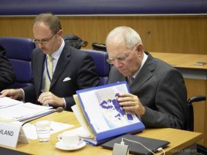 Spiegel: Το ναδίρ της σχέσης Μέρκελ – Σόιμπλε όταν δεν ήρθε το Grexit