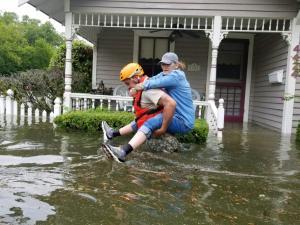 """Χάρβεϊ: """"Άνευ προηγουμένου"""" οι καταστροφές – Προειδοποιήσεις για νέους ανεμοστρόβιλους"""