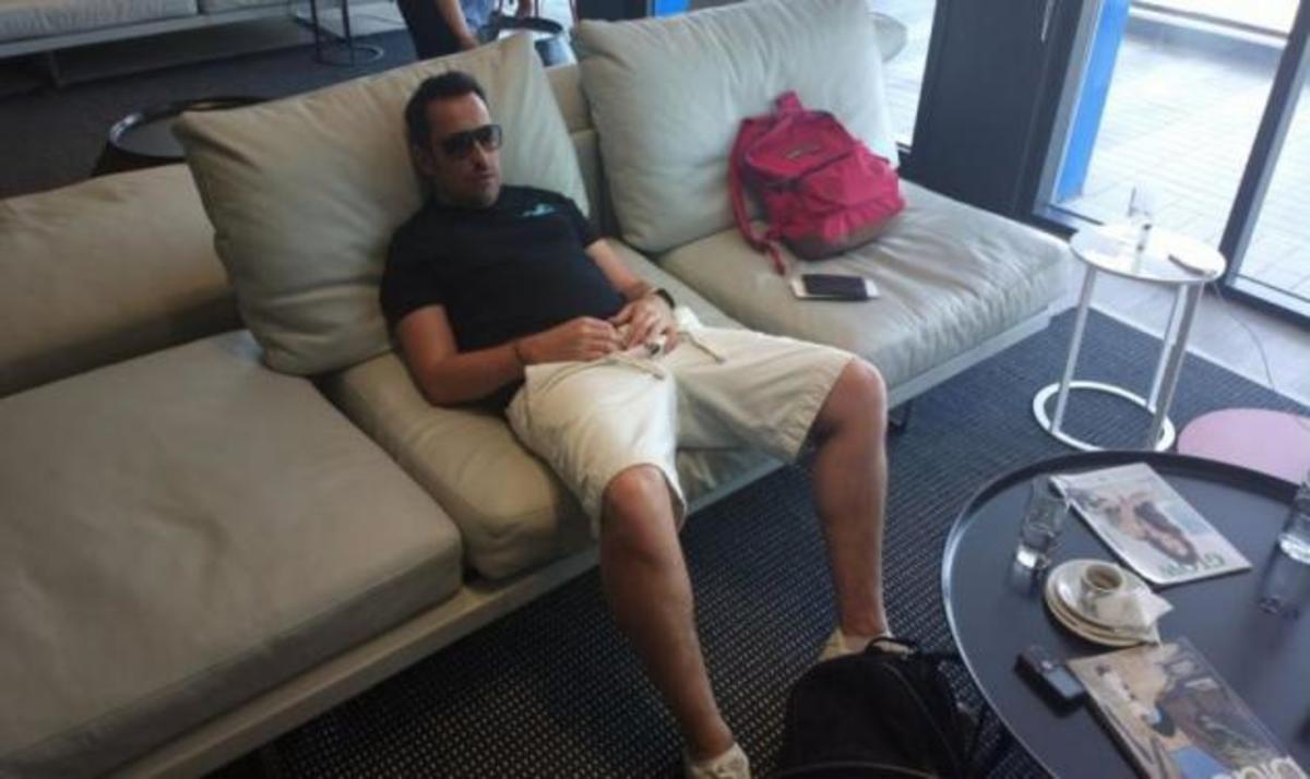 Θ. Γεωργαντάς: Τον πήρε ο ύπνος στο αεροδρόμιο! | Newsit.gr