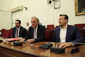 Νέος καυγάς στην Επιτροπή Θεσμών και Διαφάνειας για τις τηλεοπτικές άδειες