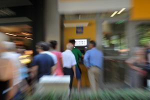 Τράπεζες – εθελουσία: Τελευταία ευκαιρία για χιλιάδες τραπεζοϋπαλλήλους