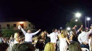 Τρίκαλα: Γλέντι… τρικούβερτο στο Ελευθεροχώρι για τον γάμο του Στέφανου Μαράβα [vids]