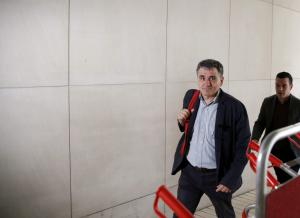 Μαξίμου: Ο Τσακαλώτος θα μετακινηθεί μόνο… για να γυρίσει από τις διακοπές