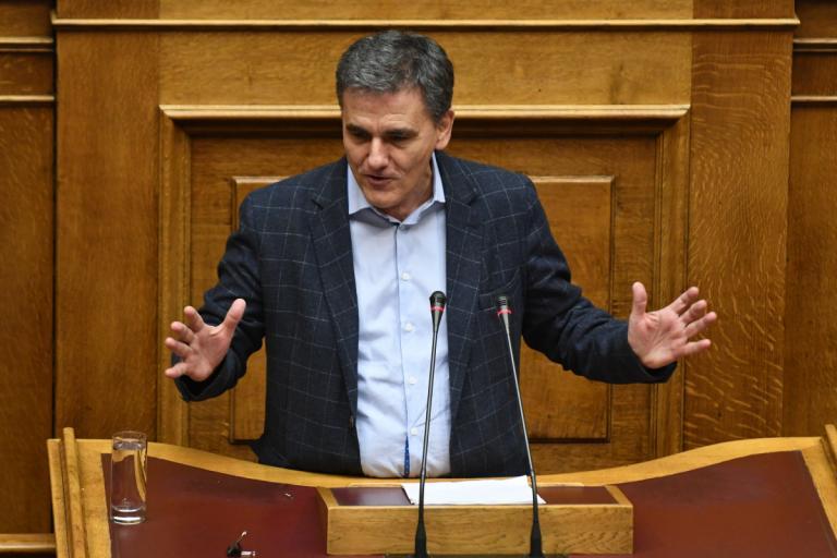 Τσακαλώτος: Τα Paradise Papers «έπνιξαν» την μεσαία τάξη κι όχι η φορολογία μας | Newsit.gr